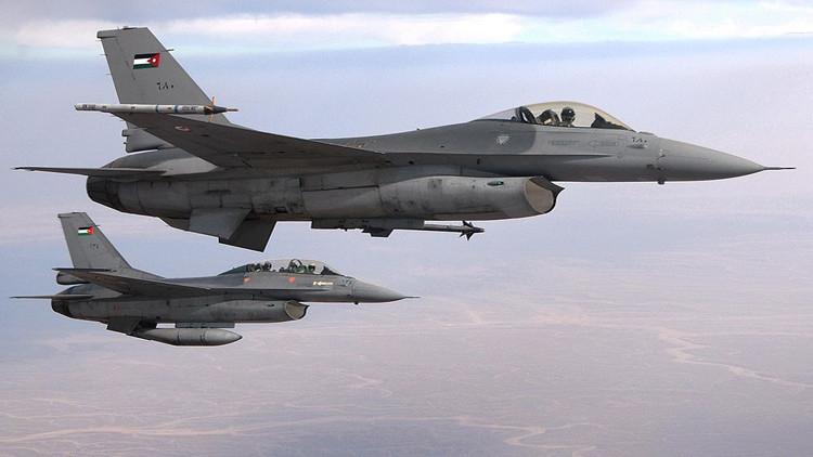 Un caza F-16 de Jordania se estrella en Arabia Saudita