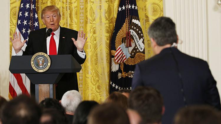 """Trump: """"Vamos a construir el muro mucho antes de lo programado"""""""