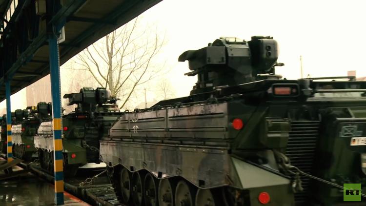 Decenas de carros de combate alemanes llegan a Lituania como parte del despliegue de la OTAN