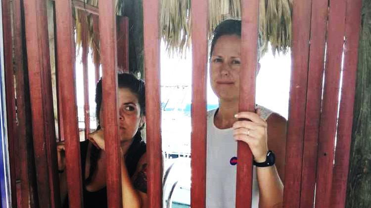 Guatemala detiene a un barco que ayuda a las mujeres a abortar