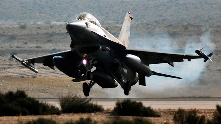 Israel bombardea Gaza en respuesta a un cohete lanzado contra su territorio (VIDEO)
