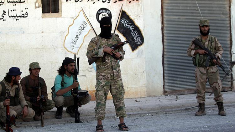 Canibalismo yihadista: manual del Estado Islámico enseña a sus reclutas a comerse a sus enemigos