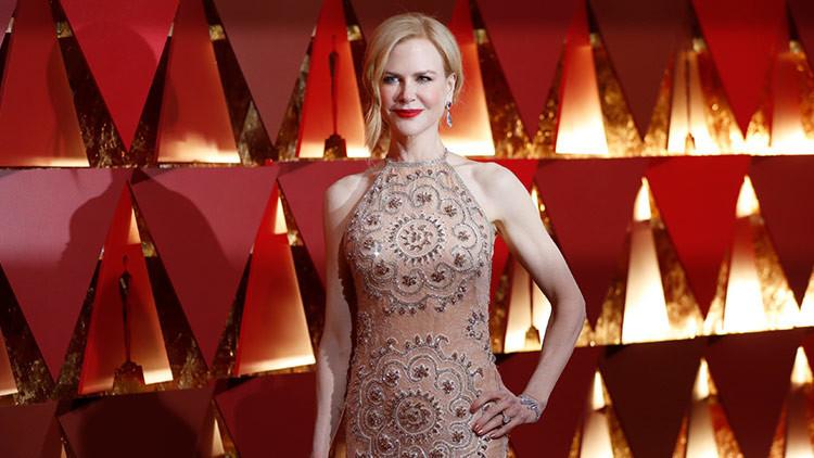 ¿Por qué Nicole Kidman aplaude de una manera tan extraña en los Oscar? (VIDEO)