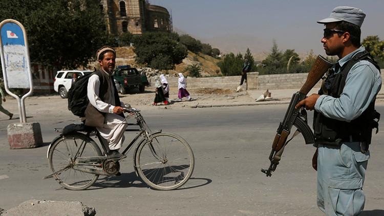 Un policía afgano mata a 11 compañeros