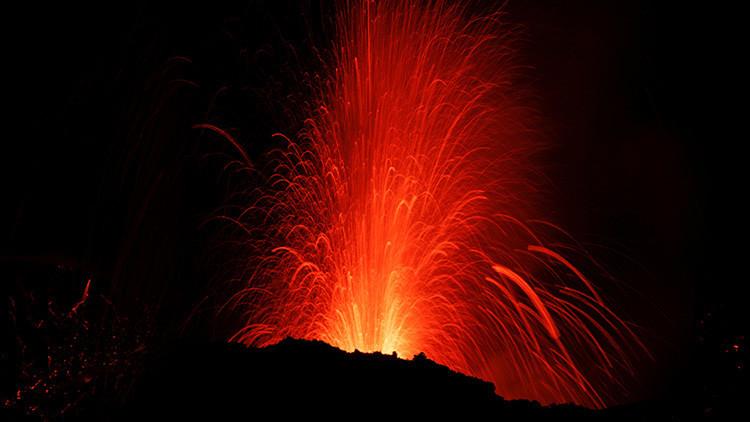 El volcán Etna entra en erupción (VIDEO)