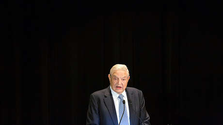 George Soros ofrece un discurso en el hotel Waldorf Astoria en Nueva York.