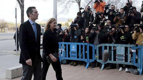 La Infanta Cristina llegando al tribunal junto a su marido, en Palma de Mallorca, 9 de Febrero de 2016