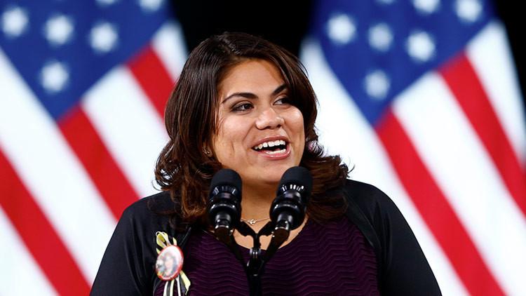 """Activista latina responde al discurso de Trump: """"Nos lleva a la época más oscura de la historia"""""""