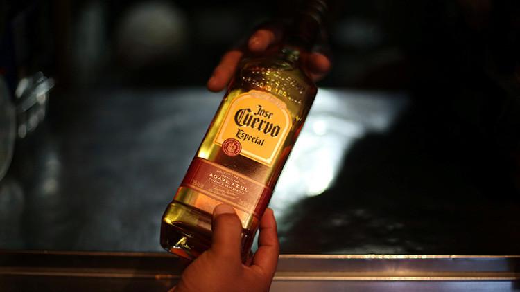 Apuesta mortal: joven dominicano muere tras beberse una botella de tequila sin parar (VIDEO)