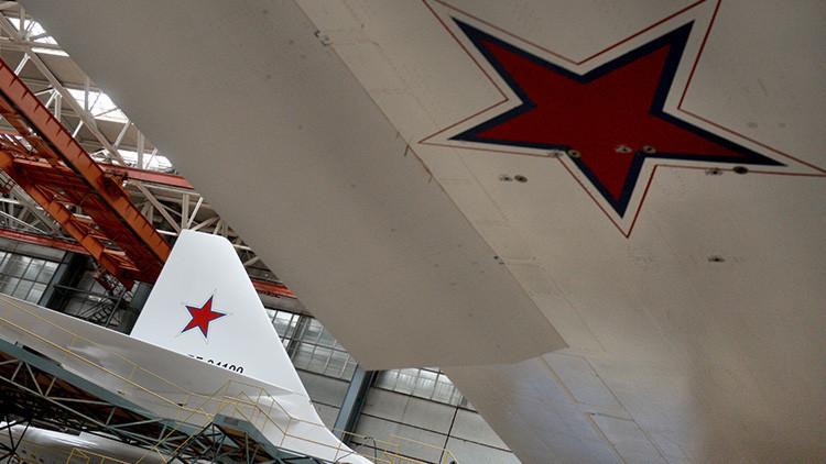 Rusia crea una maqueta a tamaño real del futurista bombardero estratégico PAK-DA