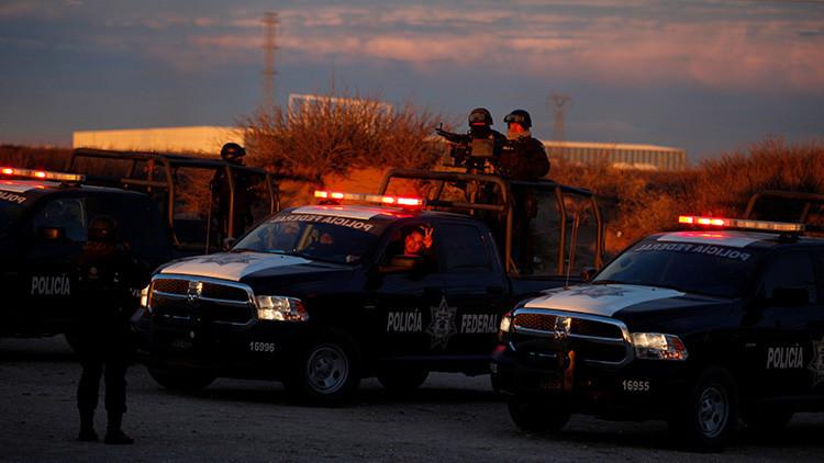 Hallan 11 cadáveres con signos de tortura en una furgoneta en Veracruz (FUERTE FOTO)