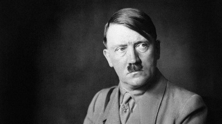 Salen a la luz imágenes nunca vistas de Hitler en un álbum de su amante