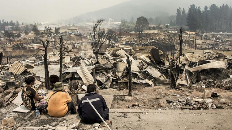"""""""Como una bomba atómica"""": Los devastadores efectos de los incendios en Chile"""