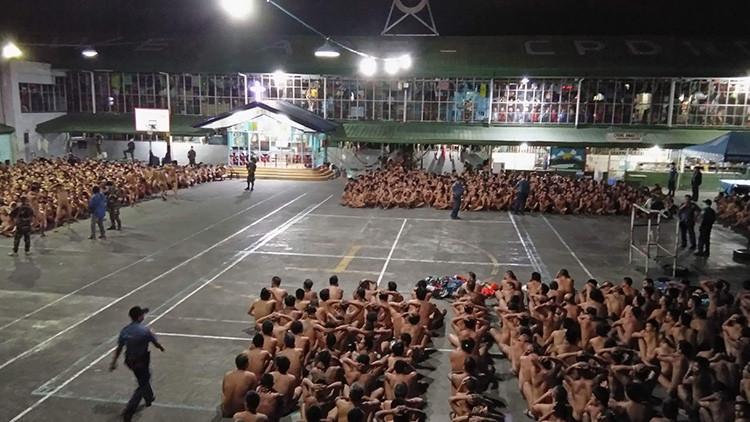 Filipinas: Indignación por las imágenes de cientos de reos desnudos (FOTOS)
