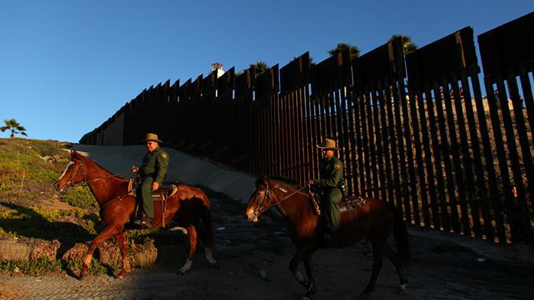 """Cementera mexicana tendría """"la mejor disposición"""" de proveer material al muro de Trump"""
