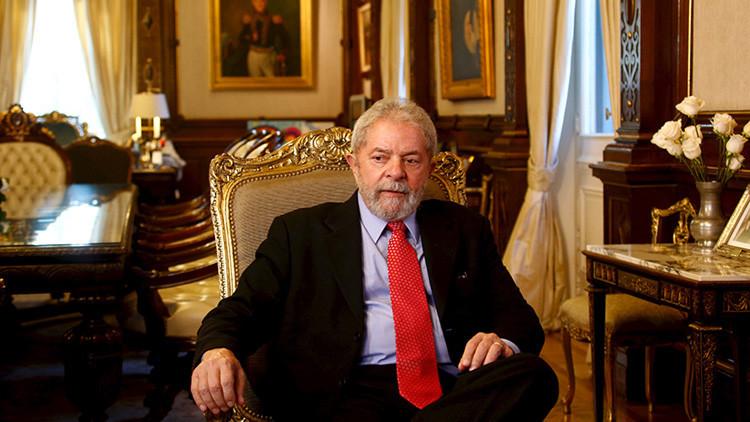 Brasileños piden a Lula que lance su candidatura a la Presidencia en 2018