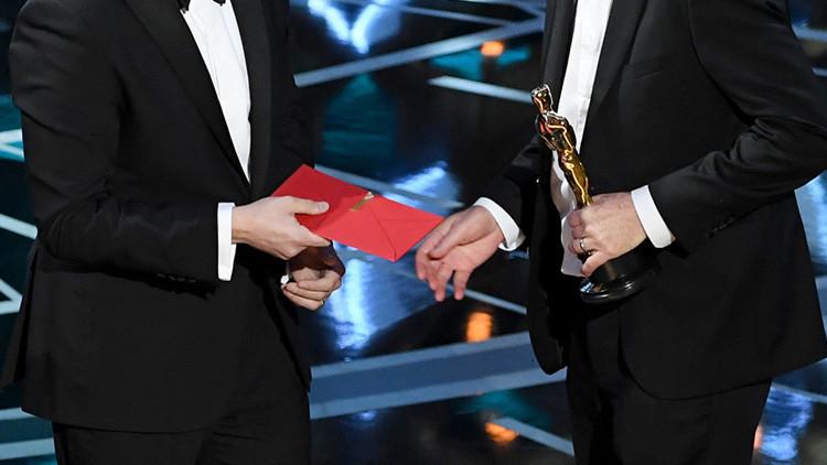 Amenazan a los dos responsables del error de la gala de los Oscar