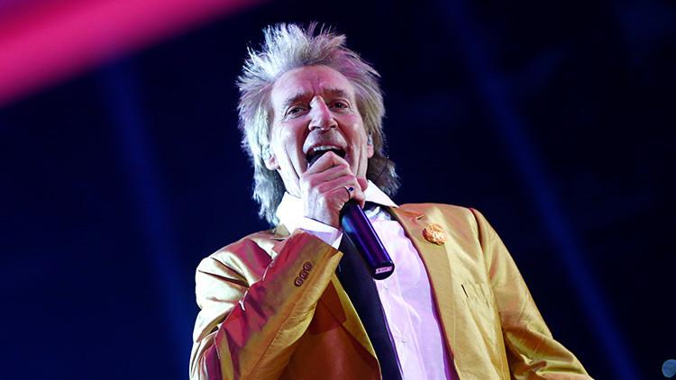 El músico Rod Stewart, en el centro del escándalo por propaganda terrorista (video)