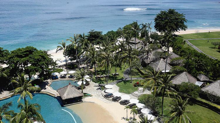 El rey de Arabia Saudita reserva 5 hoteles de lujo en Bali para alojar a su séquito