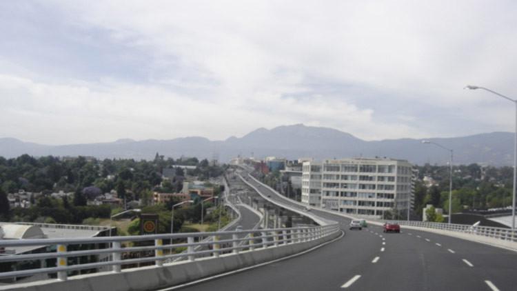 Un monitor para anuncios de la Ciudad de México proyecta porno por error
