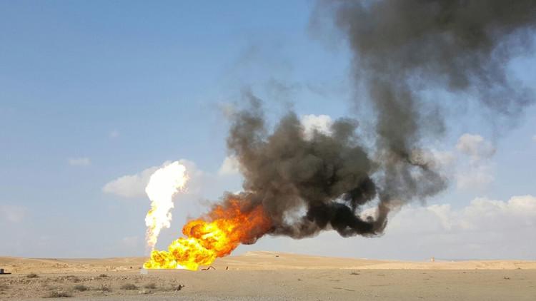 VIDEO: El Estado Islámico prende fuego a un yacimiento de gas mientras se retira de Palmira