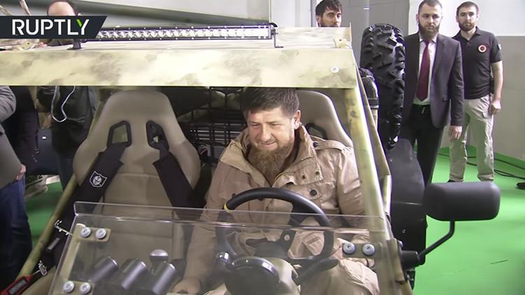 Kadýrov pone a prueba un nuevo y moderno 'buggy' de combate de fabricación chechena (VIDEO)