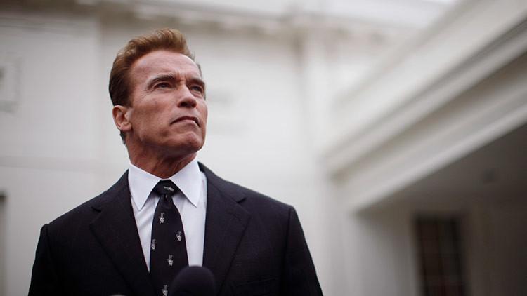 """Trump: """"Schwarzenegger fue despedido por sus patéticos 'ratings'"""""""