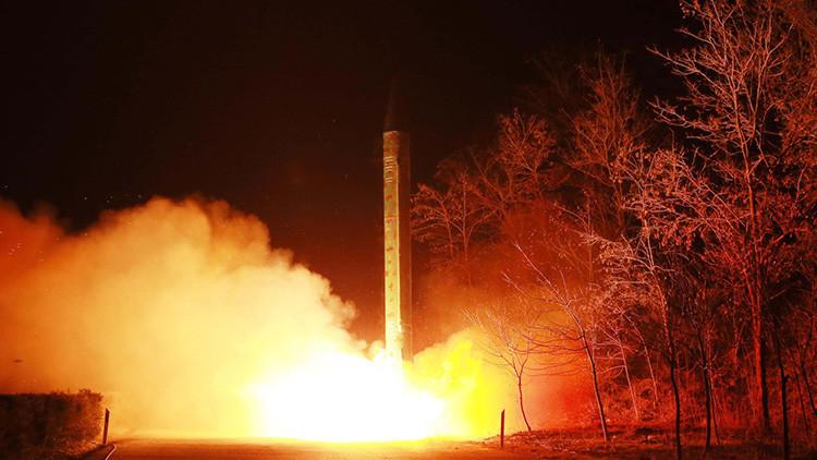 """Medios: """"Trump heredó un ciberarma secreta contra los misiles norcoreanos"""""""