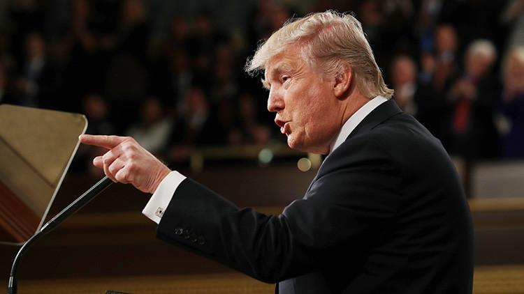 """Trump pide al Congreso investigar si Obama """"abusó de sus poderes ejecutivos"""""""