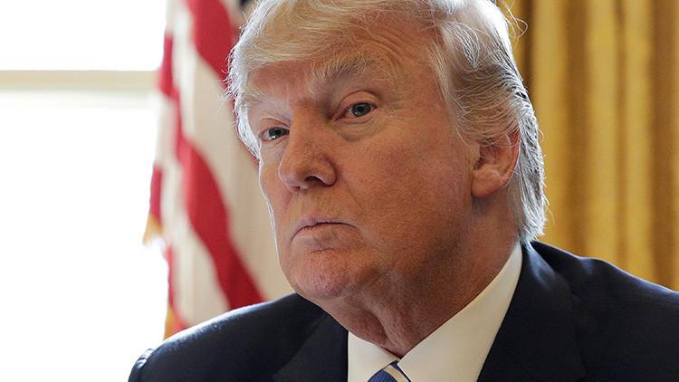 """VIDEO: Captan a Trump """"enfurecido"""" con el jefe de estrategia de la Casa Blanca"""