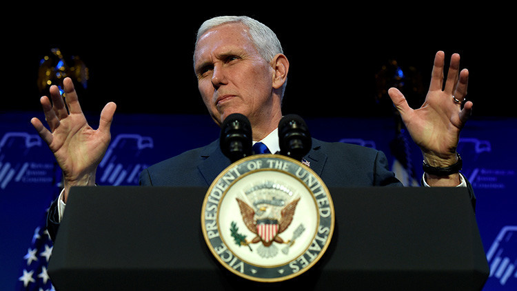 "Mike Pence se ha convertido ""imperceptiblemente"" en una poderosa figura en política internacional"