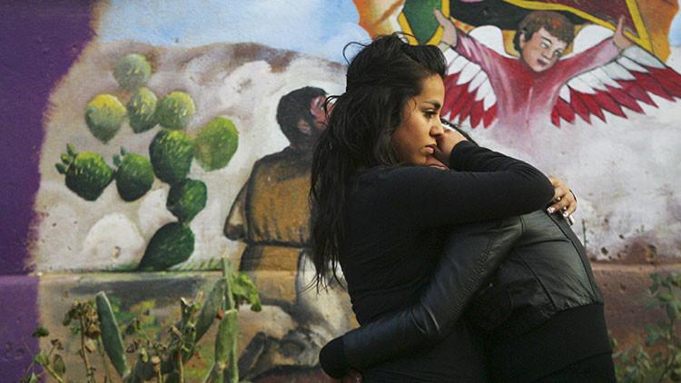 EE.UU. estudia separar a los niños indocumentados de sus padres en la frontera con México