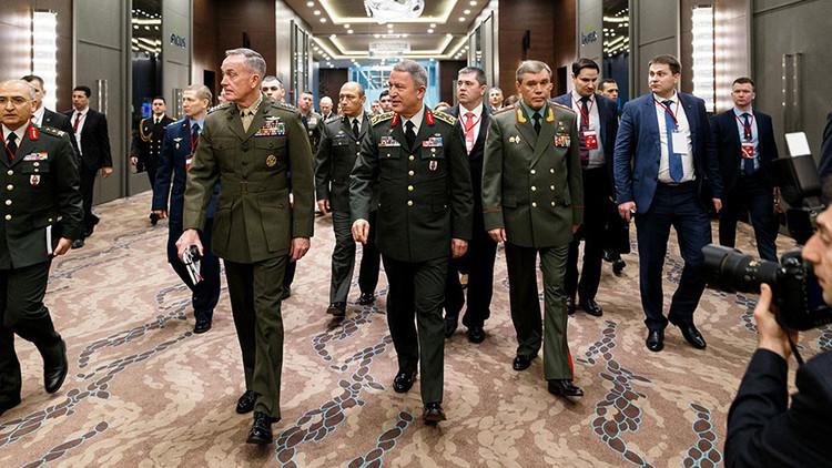 Los jefes militares de Rusia, EE.UU. y Turquía se reúnen para abordar la situación en Siria e Irak
