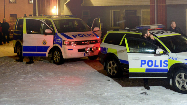 Suecia: Alerta en una universidad de Östersund por la presencia de un hombre armado