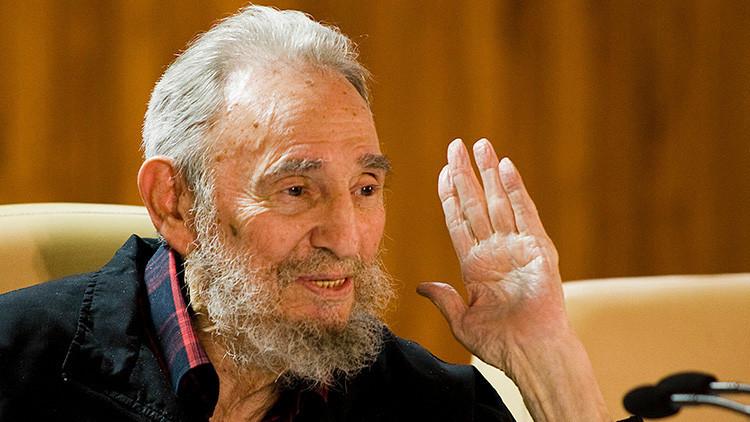 """""""Todo es allí al servicio del pueblo"""": Habla el médico argentino formado en Cuba que conoció a Fidel"""