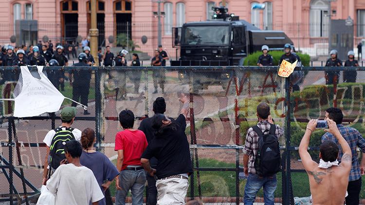 """Periodista argentino pide """"la vuelta de Videla"""" para que """"torture"""" a los que protestan"""