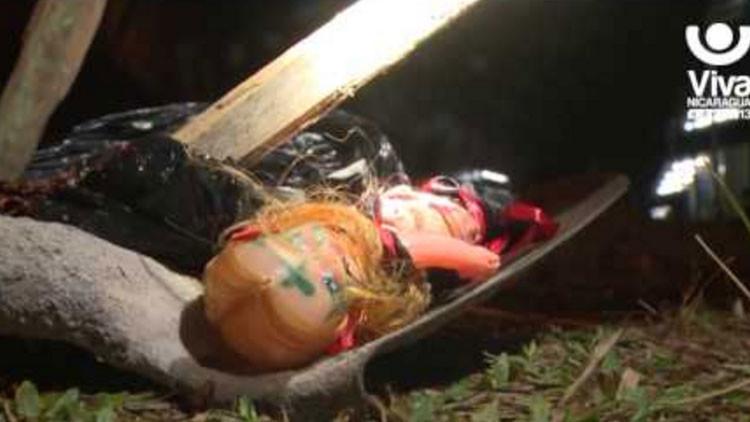 'Locura de la selva': 30 personas sufren una rara enfermedad  y culpan a una muñeca vudú (VIDEO)