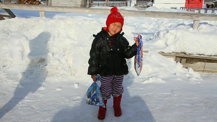 ¿Por qué esta niña siberiana desafió a los lobos y al frío caminando sola 8 kilómetros por la noche?