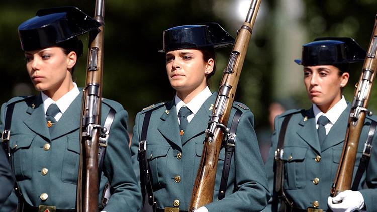 """La guardia civil a la que podrían """"joderle la vida"""" por ponerse un chaleco antibalas para mujeres"""