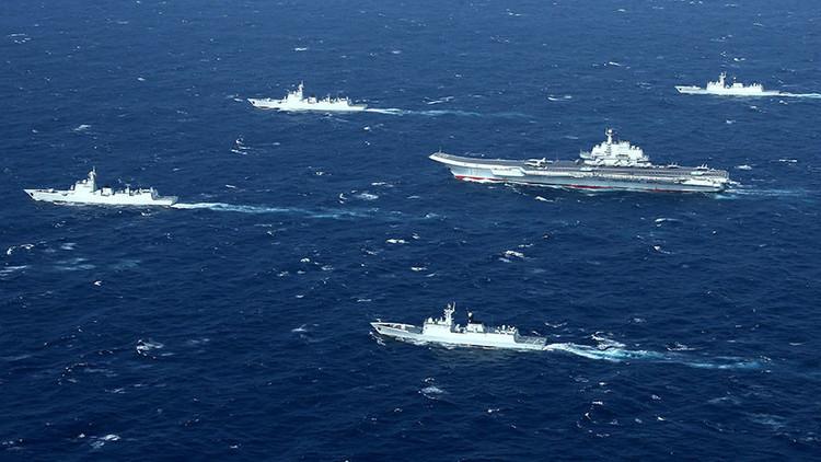 """China construye una Armada de """"primera clase"""" para interceptar """"aviones que violenten"""" su espacio"""