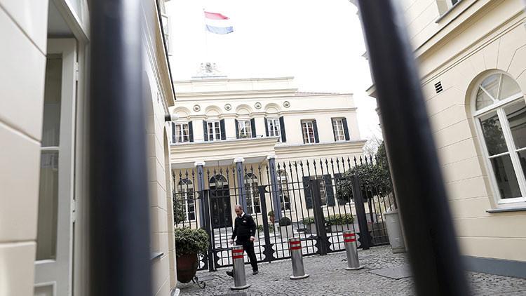 Bloquean la embajada y el consulado neerlandés en Turquía por razones de seguridad