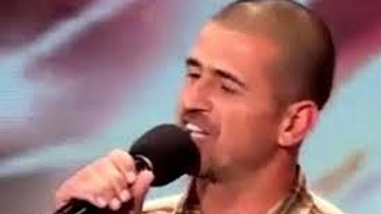 Canta para un 'reality' y la Policía lo reconoce como un pedófilo prófugo de la justicia