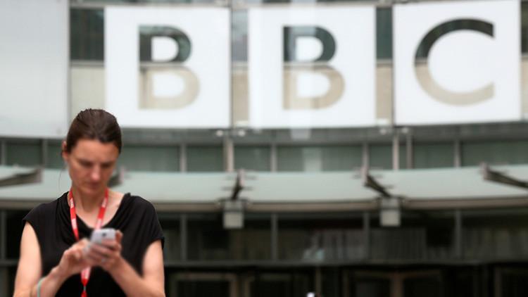 """""""Fue fantástico"""":  Habla la madre del experto de la BBC interrumpido en vivo por sus hijos pequeños"""