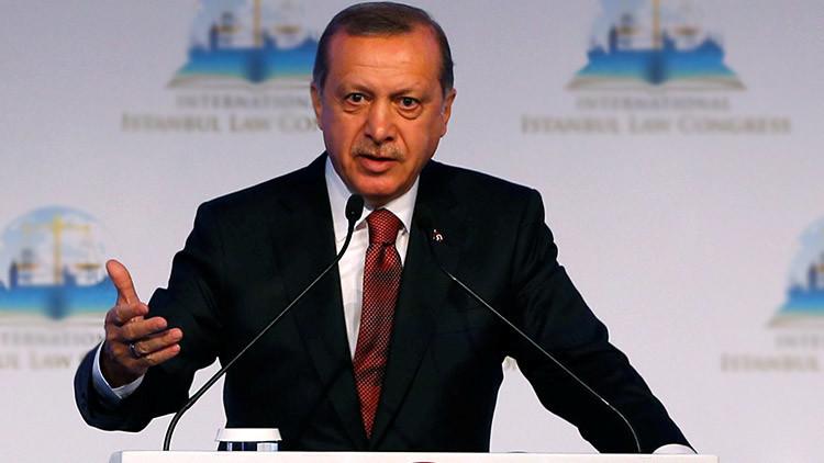 """Erdogan: Amsterdam pagará por el tratamiento """"desvergonzado"""" de nuestra ministra"""