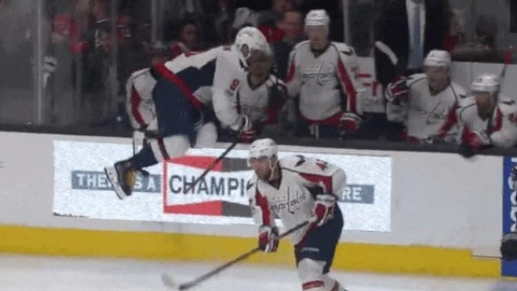 El curioso 'patinazo' de un famoso capitán ruso de hockey