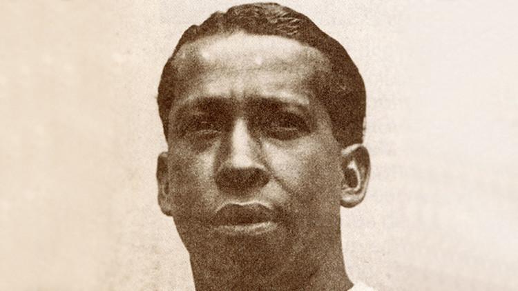 """""""Negro, sudamericano y pobre"""": ¿Quién fue el primer ídolo internacional del fútbol?"""