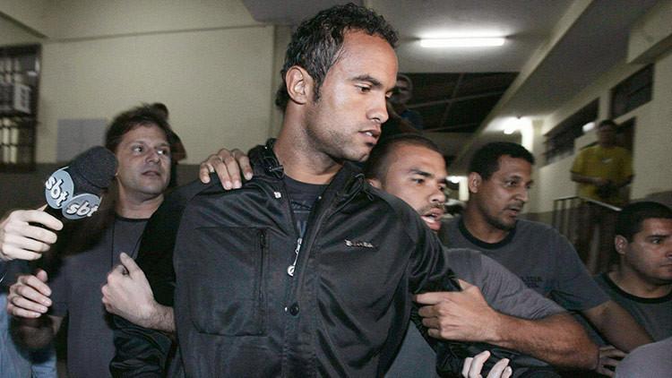 Escándalo en Brasil: Un equipo de fútbol ficha a un guardameta que asesinó a su pareja