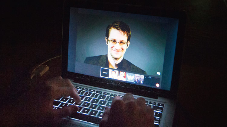 Los consejos de Edward Snowden a Donald Trump sobre la vigilancia de comunicaciones