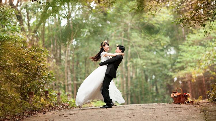 Amor celestial: Un 'Romeo' chino le regala a su novia un 'meteorito' de 33 toneladas (VIDEO)