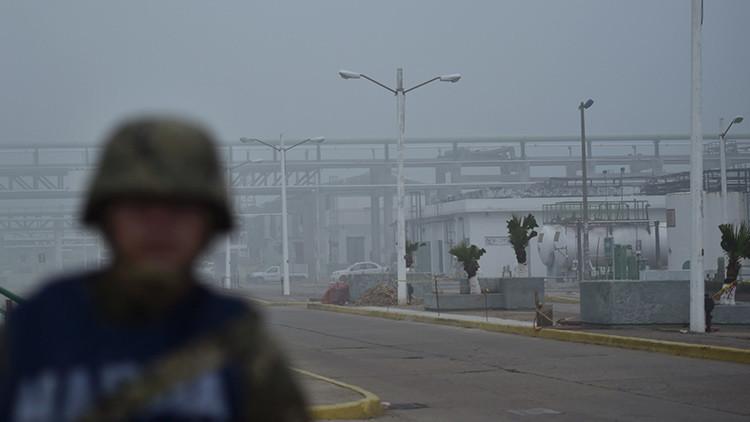 Explosión en una refinería de Pemex deja al menos ocho heridos